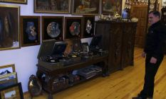 Antika tutkusu nedeniyle evini müzeye çevirdi