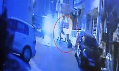 Kazada yaralanan iki kişi sıkıştıkları yerden...