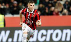 Trabzonspor'un rakibi yeni transfere imzayı...