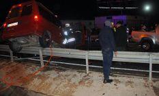 Rize'de 3 araç birbirine girdi! Ölü ve yaralılar var!