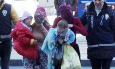 Hırsızlık yapan 2 kadın, cezaevine çocuklarıyla...