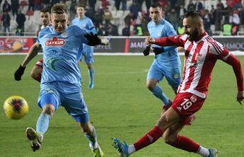 Sivasspor'a Rizespor'dan çelme
