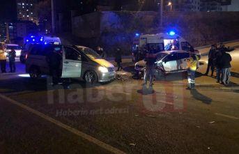 Trabzon'da iki araç kafa kafaya çarpıştı –...