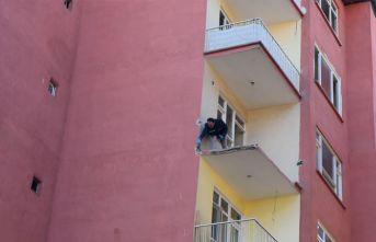 Malatya'da 4'üncü kattan düşen hurdacı hayatını kaybetti