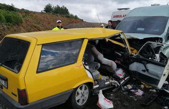Para nakil aracıyla çarpışan otomobildeki 5 kişi...