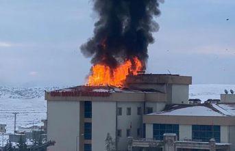 Devlet Hastanesi'nde korkutan yangın