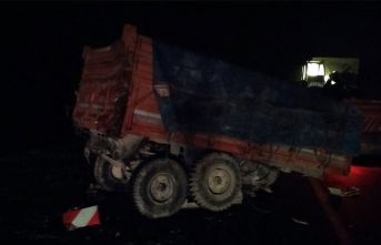 Konya'da tır ile traktör çarpıştı