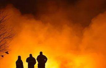Pamuk yağı fabrikası yangını üç gündür sürüyor