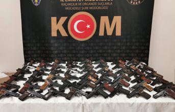 58 ruhsatsız tabanca ele geçirildi