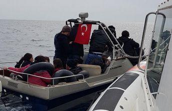 Dikili'de 20 kaçak göçmen yakalandı