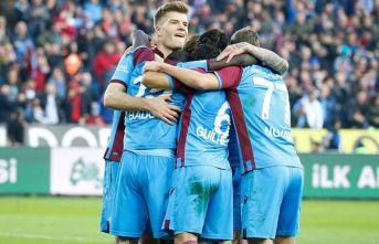 Trabzonspor ilk 7'nin de lideri