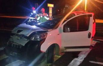 Kırıkkale'de feci kaza, hafif ticari araç tıra çarptı