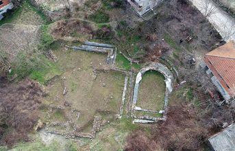 Bahçesinde Roma dönemine ait yerleşim yeri bulundu!