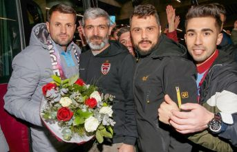 Lider Trabzonspor'a İstanbul'da coşkulu...