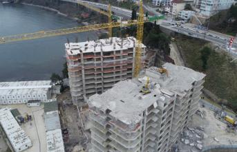17'şer katlı gökdelenler yıkılmaya devam ediyor