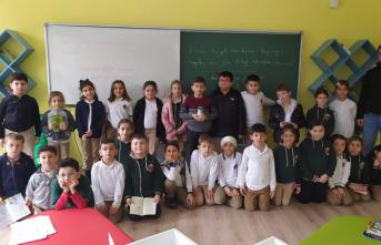 Harçlıklarından biriktirdikleri parayla İdlib'e yardım gönderdiler