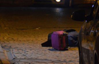 İstanbul'da yüksekten düşen kişi hayatını kaybetti!