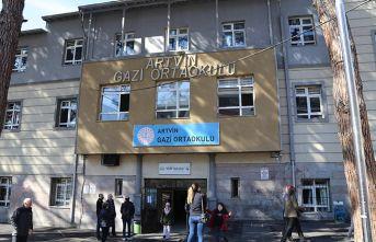 Okulun yıkım kararı velilileri kızdırdı