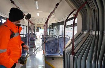 Trabzon'da belediye otobüsleri böyle temizleniyor