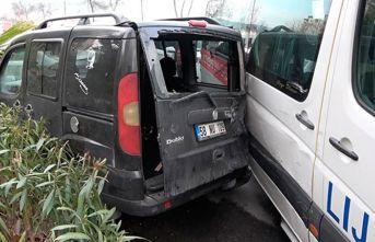 Servis sürücüsü fenalaştı 4 öğrenci yaralandı