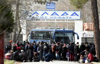 Yunanistan sınırlarını kapattı! Ses bolbaları...