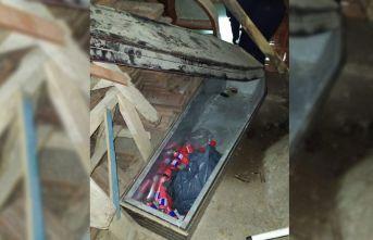 Çaldığı silahları tabutta saklayan kişi, uyuşturucu komasına girmiş halde bulundu