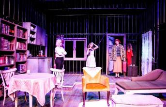 Van Devlet Tiyatrosu nisan ayı sonuna kadar perdelerini kapattı