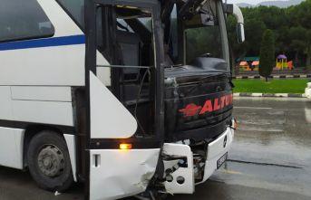 İşçi servisi kaza yaptı: 8 yaralı
