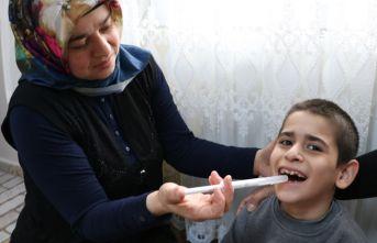Epilepsi hastası minik Emin yardım bekliyor