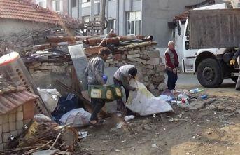 Evden 15 kamyon çöp çıktı
