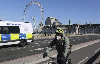 İngiltere'de sokağa çıkmaya sınırlama getirildi
