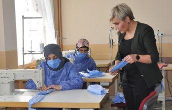Gümüşhane'de gönüllü öğretici kadınlar,...