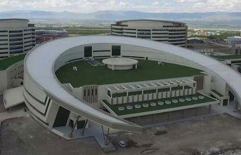 Açılışı henüz yapılmayan hastane corona virüs için teyakkuzda