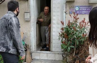 77 yaşındaki Burhan amca: Herkesin ihtiyacı karşılanıyor