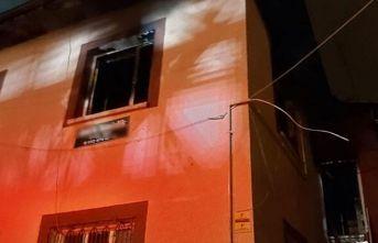 Babasıyla tartışan adam evi ateşe verdi!