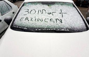 Güne kar yağışı ile başladılar