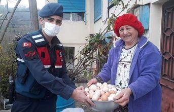 Trabzon'da Jandarmayı uyarmak için gittiği evden eli boş göndermediler
