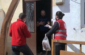 Bayburt'ta Kızılay vatandaşlara yardım ulaştırdı