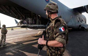 Fransa'da şok! 600 askerde Koronavirüs çıktı!