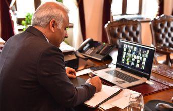 Zorluoğlu sivil toplum kuruluşlarıyla video konferasta...