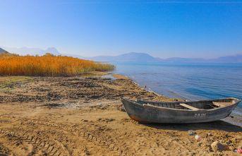 60 yılda Van Gölü'nün üç katı göl kurudu