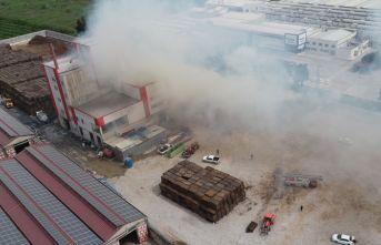 Fabrika yangını 5 saat sonra kontrol altına alındı