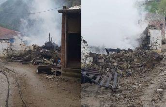 Giresun'da yangın evi kullanılamaz hale getirdi