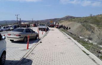 Odun toplamaya giden köylülere PKK'lı teröristler...