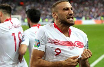 Cenk Tosun'dan Trabzonspor'un yıldızına...