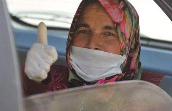 Koronavirüsü yenen kadın:  İçim yanıyor dışım donuyordu