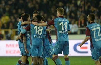Trabzonspor devleri geride bıraktı