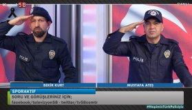 Programlarını polis üniformalarıyla sundular