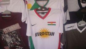 'Kürdistan' yazılı tişörtle sandığa gitti, tutuklandı!