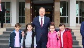 Trabzon Valiliği'nden 23 Nisan mesajı